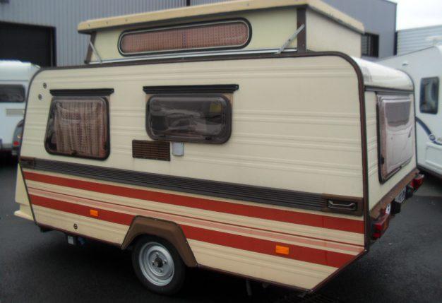 esterel 390 surbaissee occasion de 1985 caravane en vente fontenay sur eure eure et loire 28. Black Bedroom Furniture Sets. Home Design Ideas