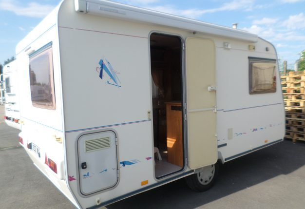 la mancelle 400 cb occasion de 2001 caravane en vente la bazoge sarthe 72. Black Bedroom Furniture Sets. Home Design Ideas
