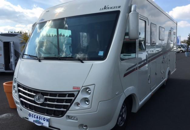 le voyageur lv 850 occasion de 2013 fiat camping car en vente montreuil juign angers. Black Bedroom Furniture Sets. Home Design Ideas