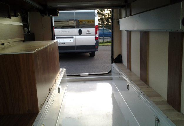 rapido 996 mh occasion de 2011 mercedes camping car en vente montreuil juign angers maine. Black Bedroom Furniture Sets. Home Design Ideas