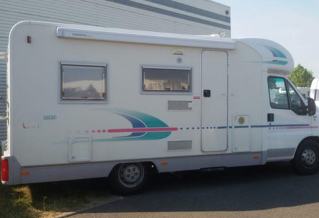 adria 640 ds occasion de 2001 fiat camping car en vente luisant eure et loire 28. Black Bedroom Furniture Sets. Home Design Ideas