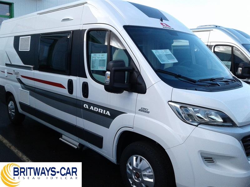 adria twin 600 sp neuf de 2017 fiat camping car en vente ploumilliau cotes d armor 22. Black Bedroom Furniture Sets. Home Design Ideas