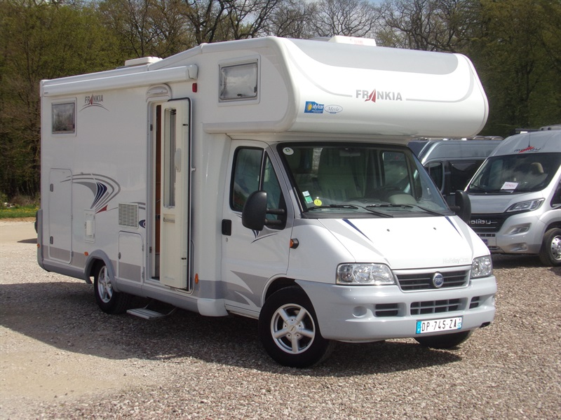 frankia a 670 bd occasion de 2006 fiat camping car en vente vieux charmont doubs 25. Black Bedroom Furniture Sets. Home Design Ideas