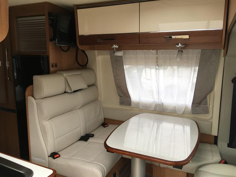 campereve magellan 743 occasion de 2017 fiat camping car en vente montfaucon en velay. Black Bedroom Furniture Sets. Home Design Ideas
