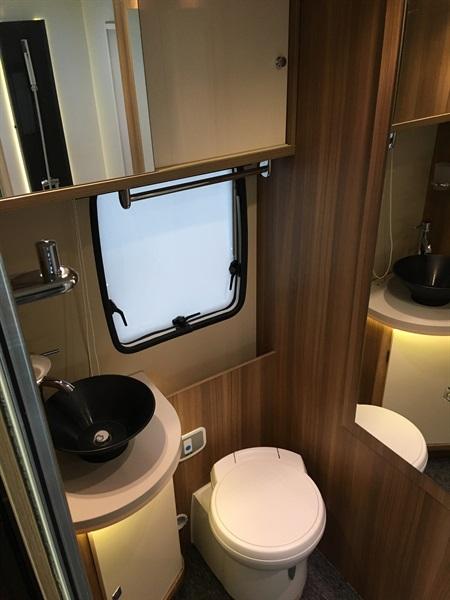challenger 290 graphite limited occasion de 2014 fiat camping car en vente montfaucon en. Black Bedroom Furniture Sets. Home Design Ideas