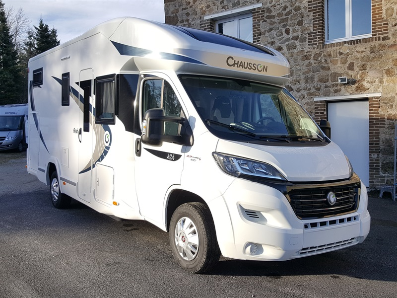 chausson flash 624 neuf de 2017 fiat camping car en vente montfaucon en velay haute loire. Black Bedroom Furniture Sets. Home Design Ideas