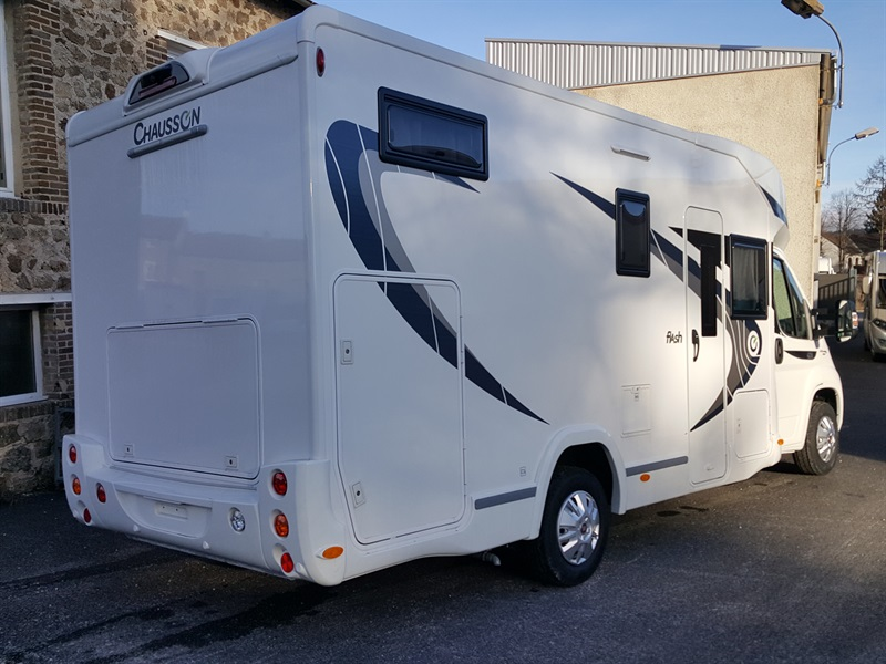 chausson flash 624 neuf de 2017 fiat camping car en vente montfaucon en velay haute loire. Black Bedroom Furniture Sets. Home Design Ideas