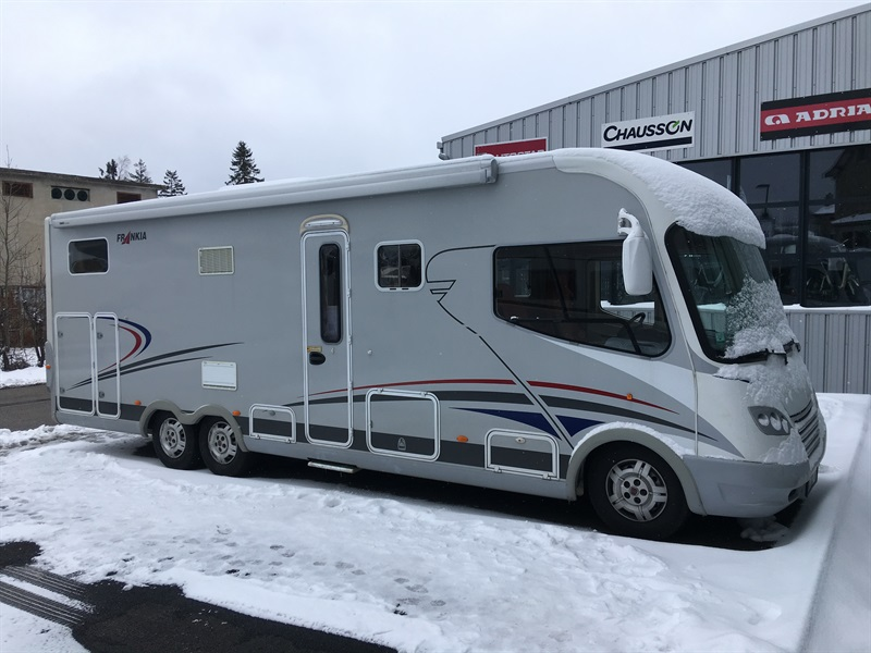 frankia i 840 gd occasion de 2009 fiat camping car en vente montfaucon en velay haute. Black Bedroom Furniture Sets. Home Design Ideas