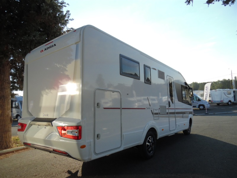 adria sonic i 700 sc neuf de 2017 fiat camping car en vente beaumont vienne 86. Black Bedroom Furniture Sets. Home Design Ideas