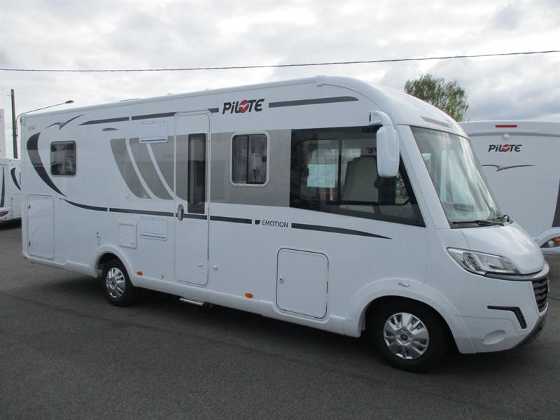 pilote g 740 c neuf de 2017 - fiat - camping car en vente  u00e0 la meziere  ile-et-villaine