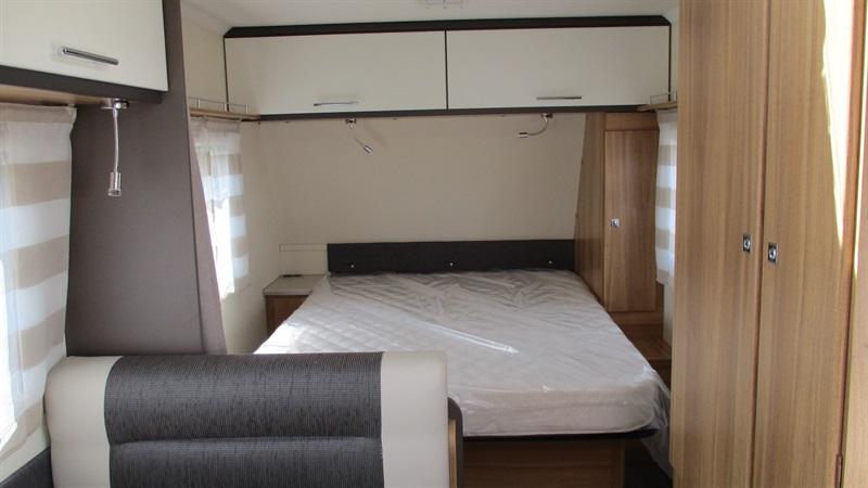 caravelair antares style 460 neuf de 2017 caravane en. Black Bedroom Furniture Sets. Home Design Ideas