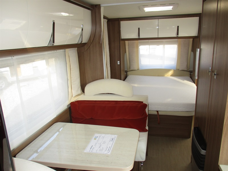 burstner averso top 545 ts occasion caravane vendre en seine maritime 76 ref 8608. Black Bedroom Furniture Sets. Home Design Ideas