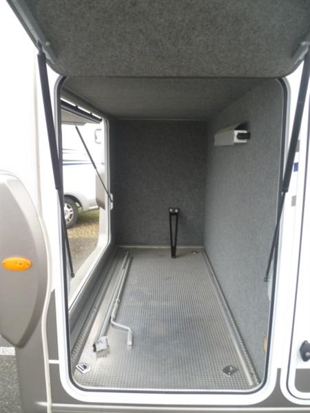 frankia luxury class i 840 gd occasion de 2012 fiat camping car en vente fergersheim rhin 67. Black Bedroom Furniture Sets. Home Design Ideas