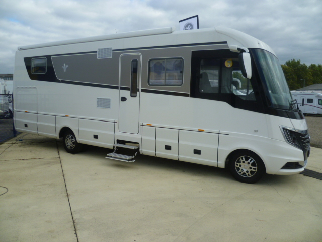 niesmann flair 920 lf neuf de 2018 iveco camping car en vente fergersheim rhin 67. Black Bedroom Furniture Sets. Home Design Ideas