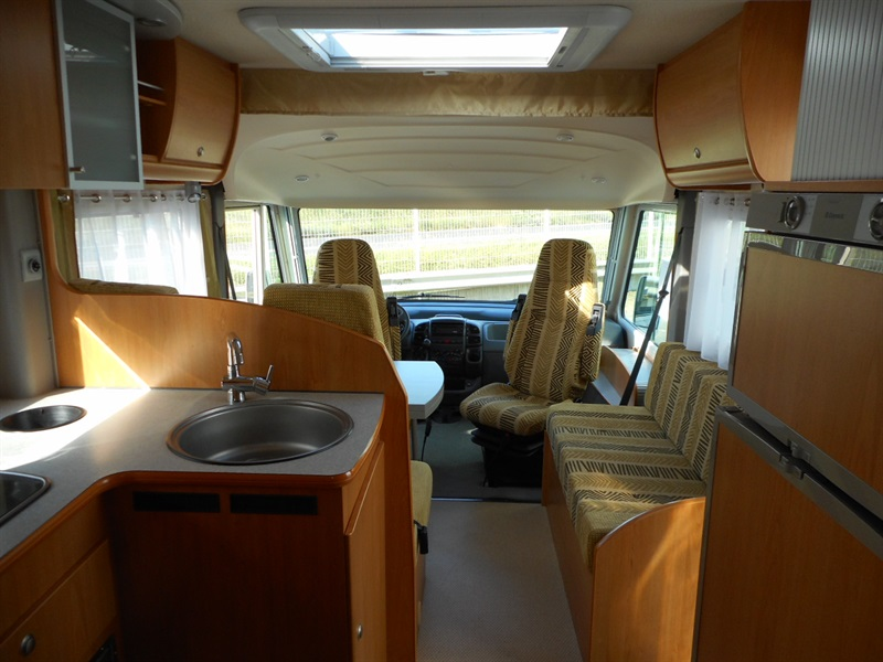 bavaria i 68 bd occasion de 2006 citroen camping car en vente veretz indre et loire 37. Black Bedroom Furniture Sets. Home Design Ideas