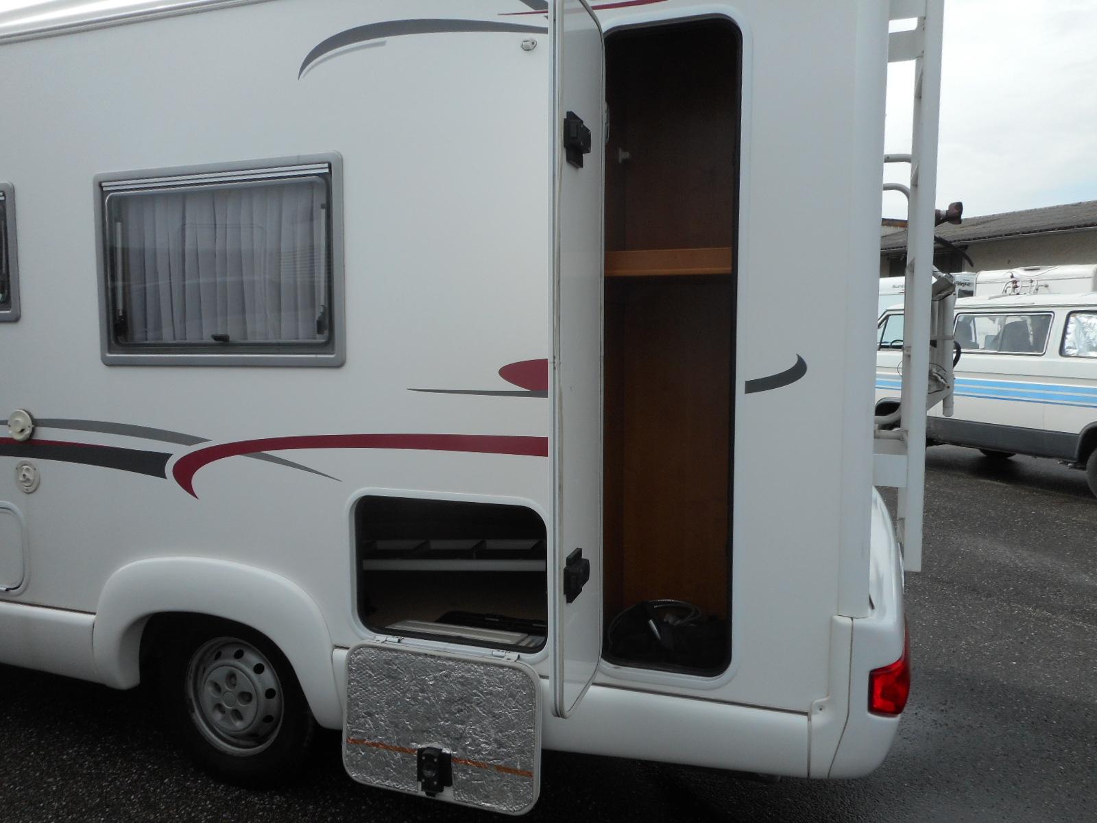 rapido 7099 c occasion de 2006 citroen camping car en vente villeneuve sur lot lot et. Black Bedroom Furniture Sets. Home Design Ideas
