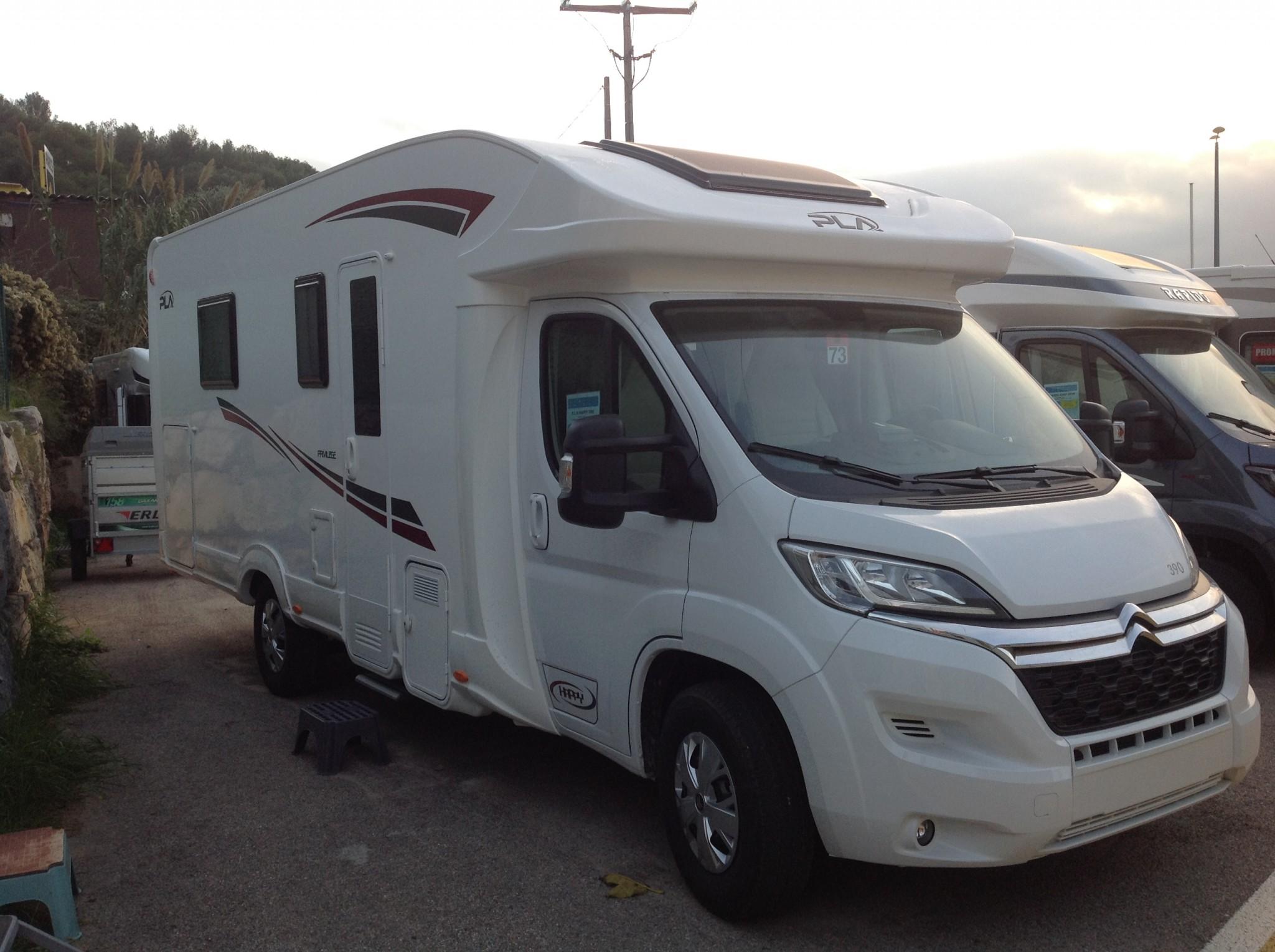pla camper happy 390 neuf de 2019 fiat camping car en. Black Bedroom Furniture Sets. Home Design Ideas