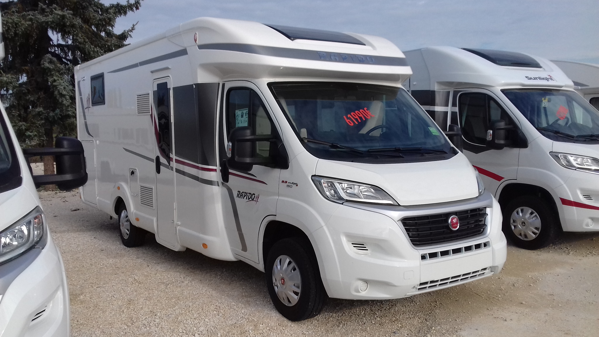 rapido 690 f neuf de 2018 fiat camping car en vente appoigny yonne 89. Black Bedroom Furniture Sets. Home Design Ideas