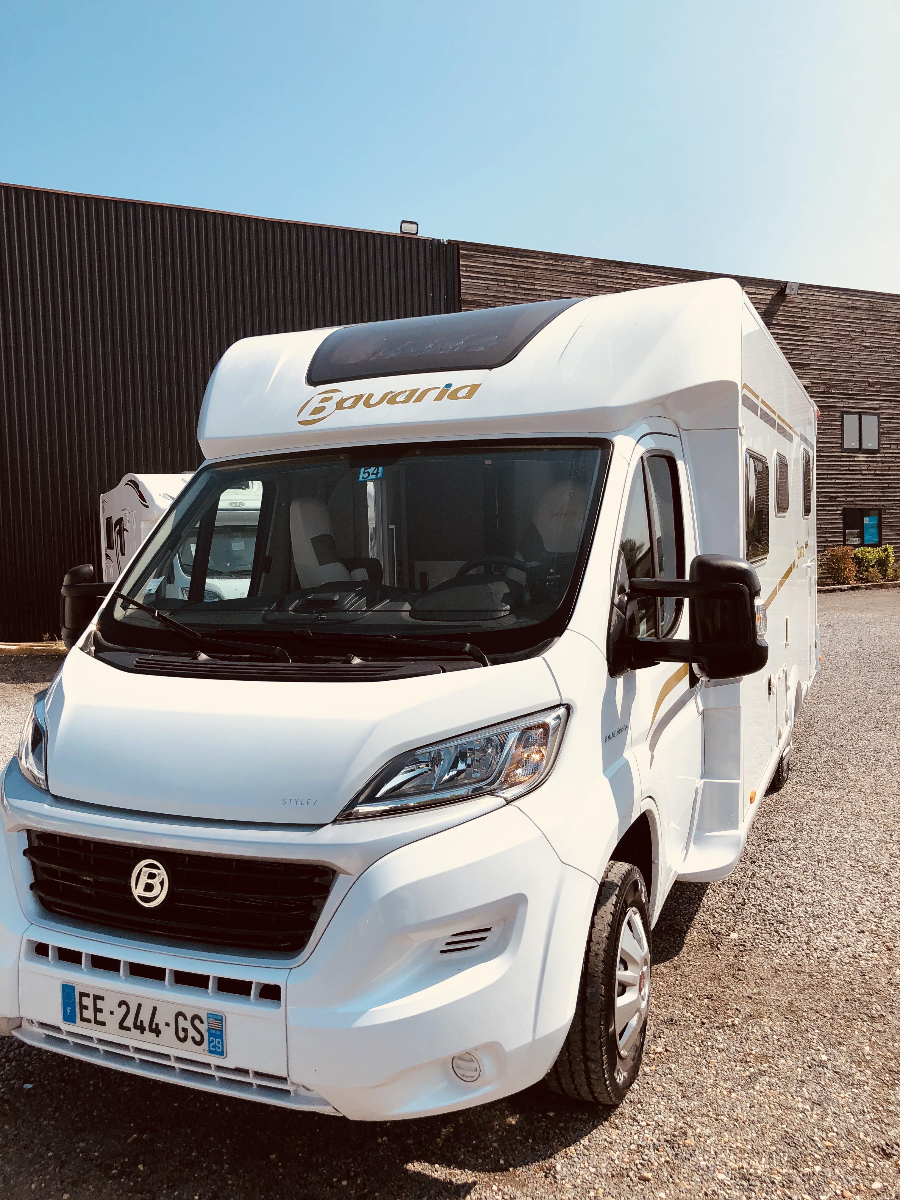 bavaria t 740 c style occasion de 2016 fiat camping car en vente saint fargeau ponthierry. Black Bedroom Furniture Sets. Home Design Ideas