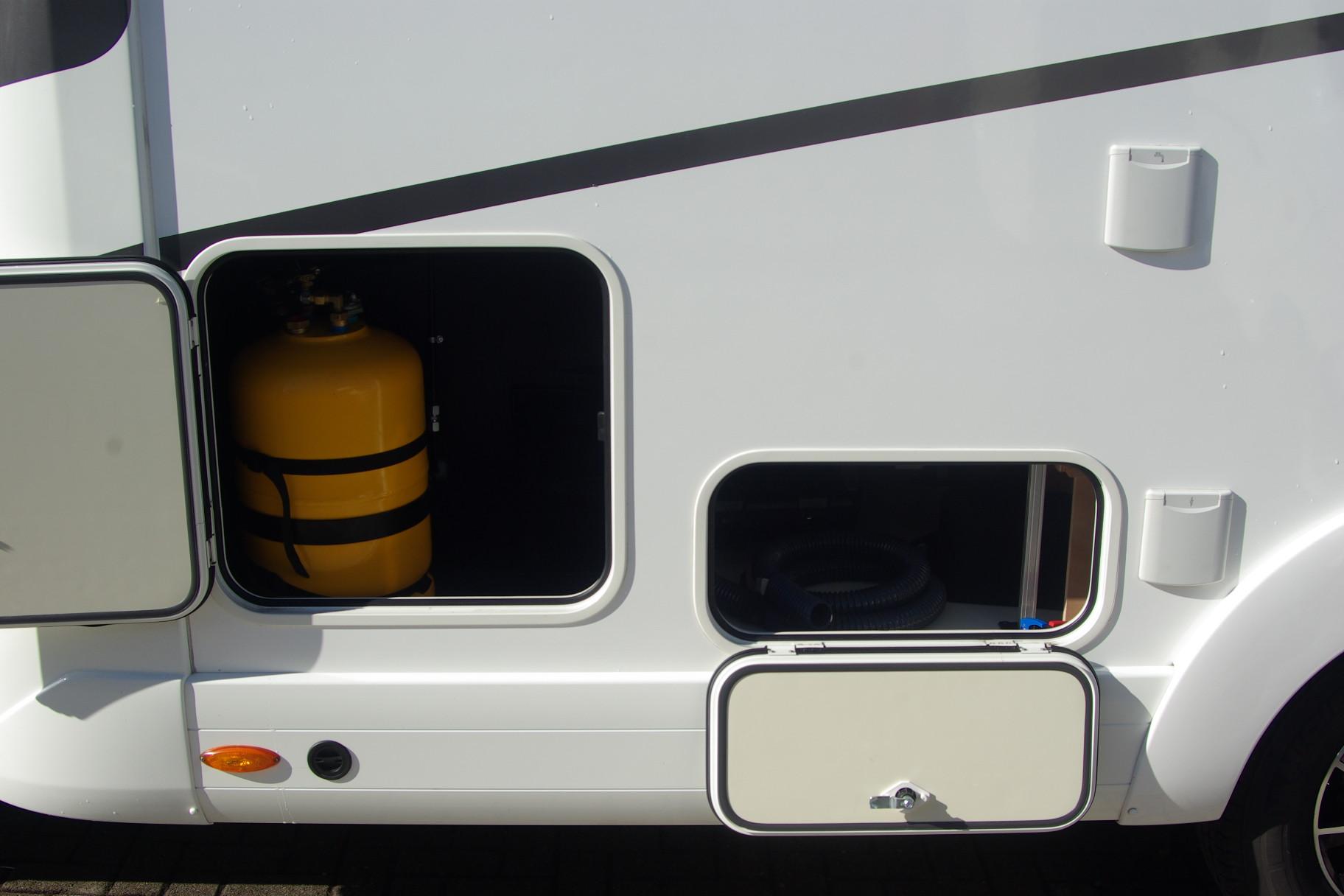 eura mobil cara one 650vb occasion porteur fiat 2 3l 130cv camping car vendre en rhin 67. Black Bedroom Furniture Sets. Home Design Ideas