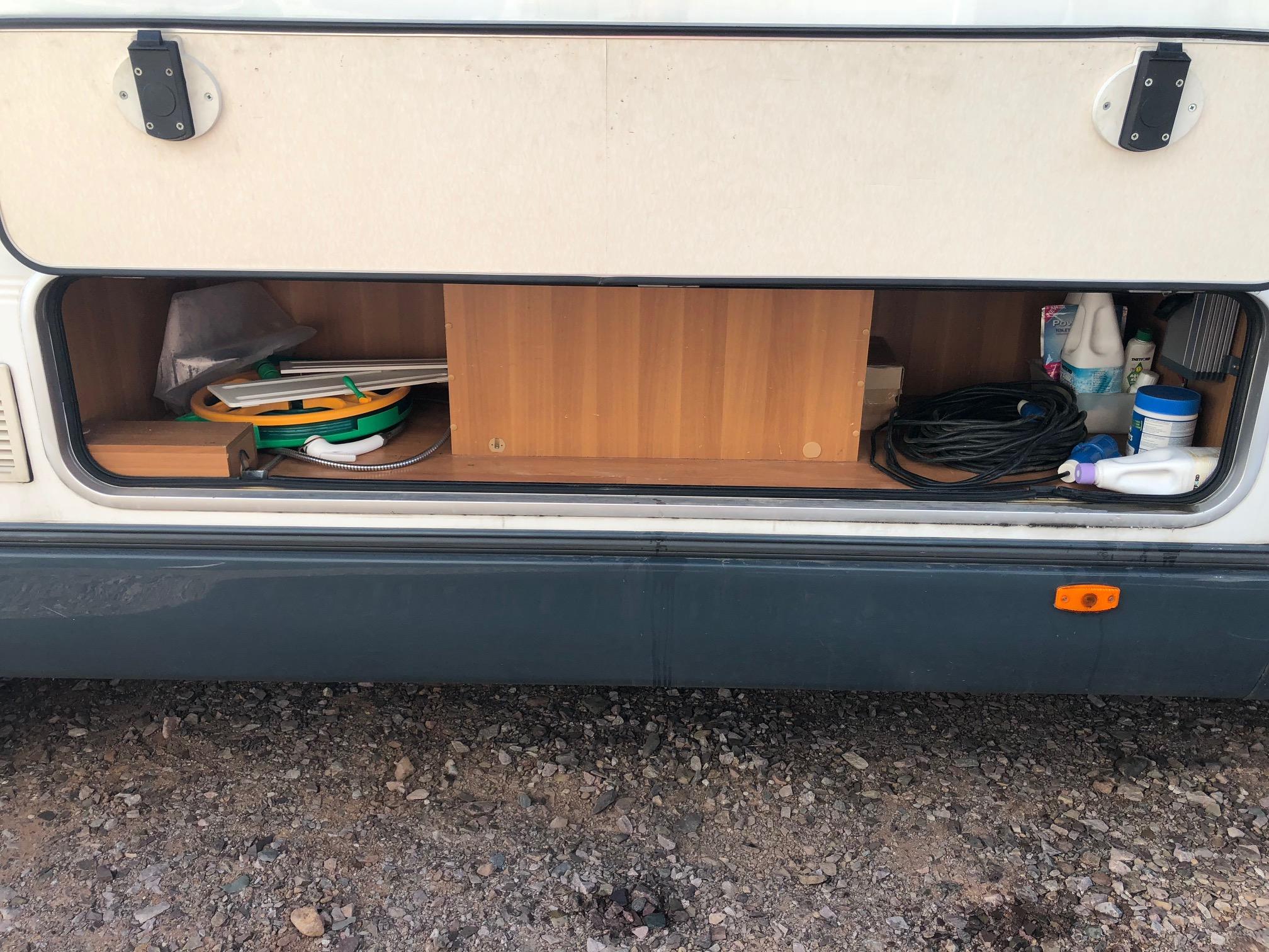 roller team granduca 67 occasion de 2003 fiat camping. Black Bedroom Furniture Sets. Home Design Ideas