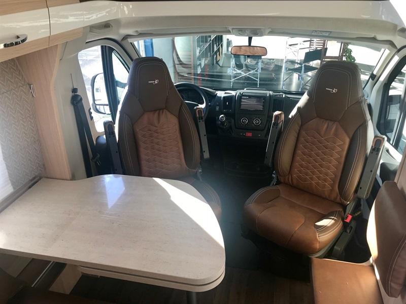 burstner travel van t 590 g neuf de 2018 citroen camping car en vente muret haute garonne. Black Bedroom Furniture Sets. Home Design Ideas
