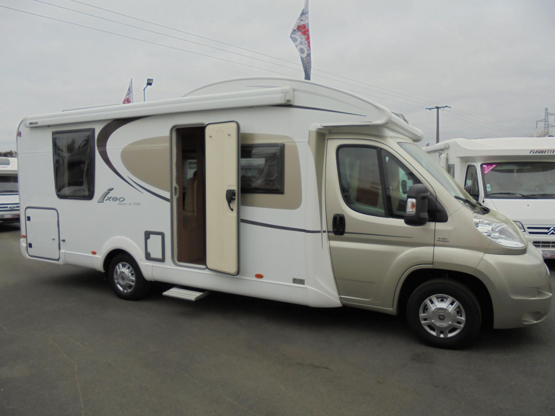 burstner ixeo time it 720 occasion de 2011 fiat camping car en vente treillieres loire. Black Bedroom Furniture Sets. Home Design Ideas