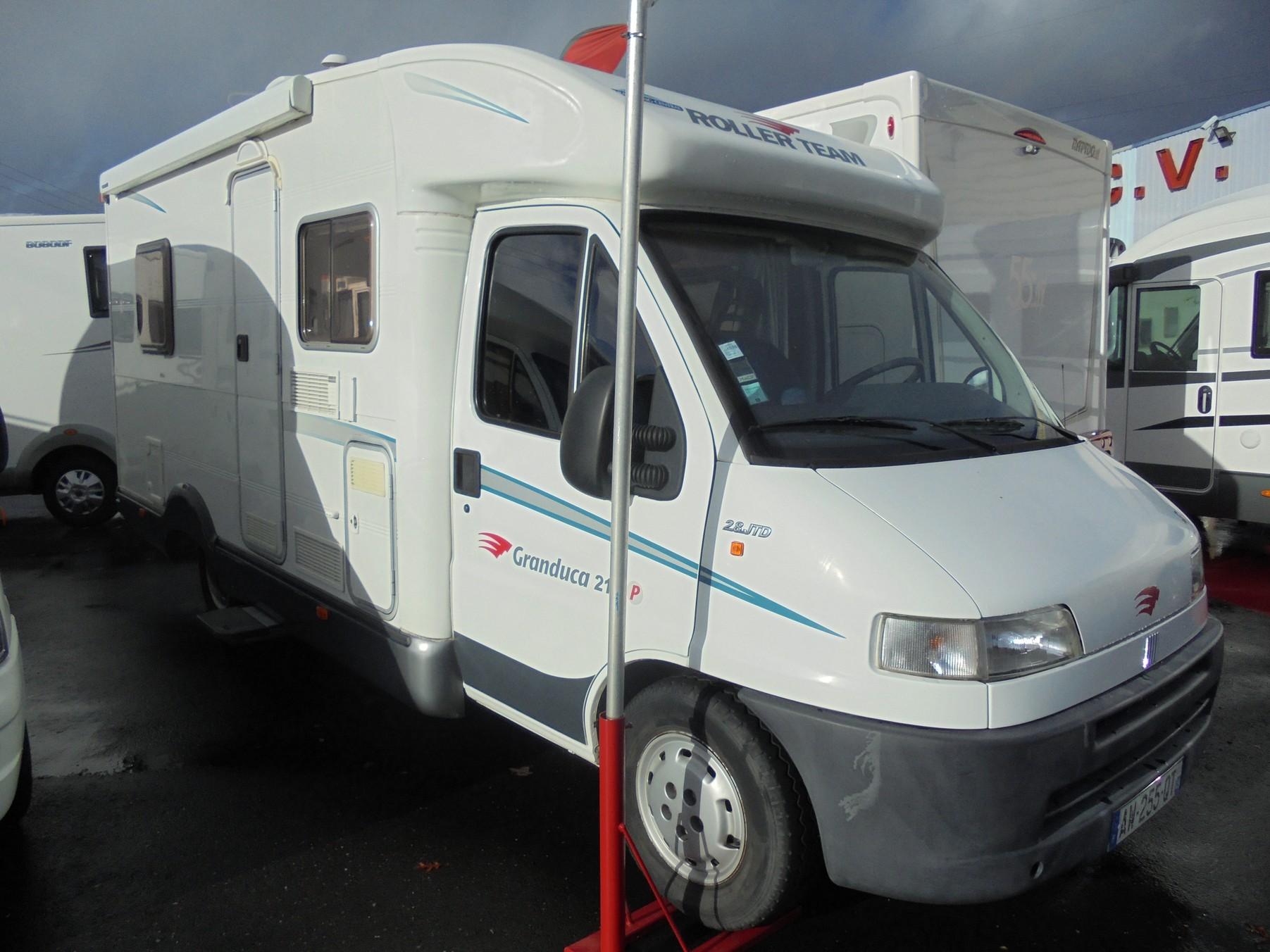 roller team granduca 215 p occasion de 2002 fiat camping car en vente treillieres loire. Black Bedroom Furniture Sets. Home Design Ideas