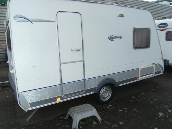 camping car caravane vente caravane 400 ambiance occasion. Black Bedroom Furniture Sets. Home Design Ideas