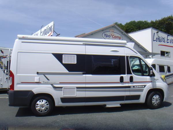 adria 600 spt occasion de 2017 fiat camping car en vente bayonne pyrenees atlantiques 64. Black Bedroom Furniture Sets. Home Design Ideas