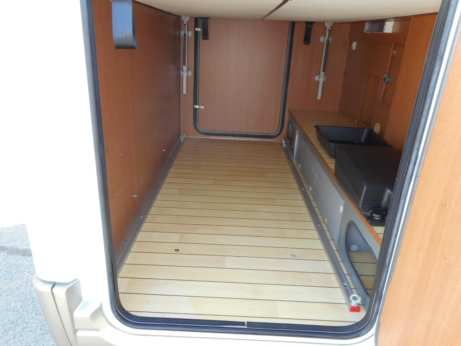 pilote rfrence g690 occasion de 2012 fiat camping car en vente irun espagne esp. Black Bedroom Furniture Sets. Home Design Ideas