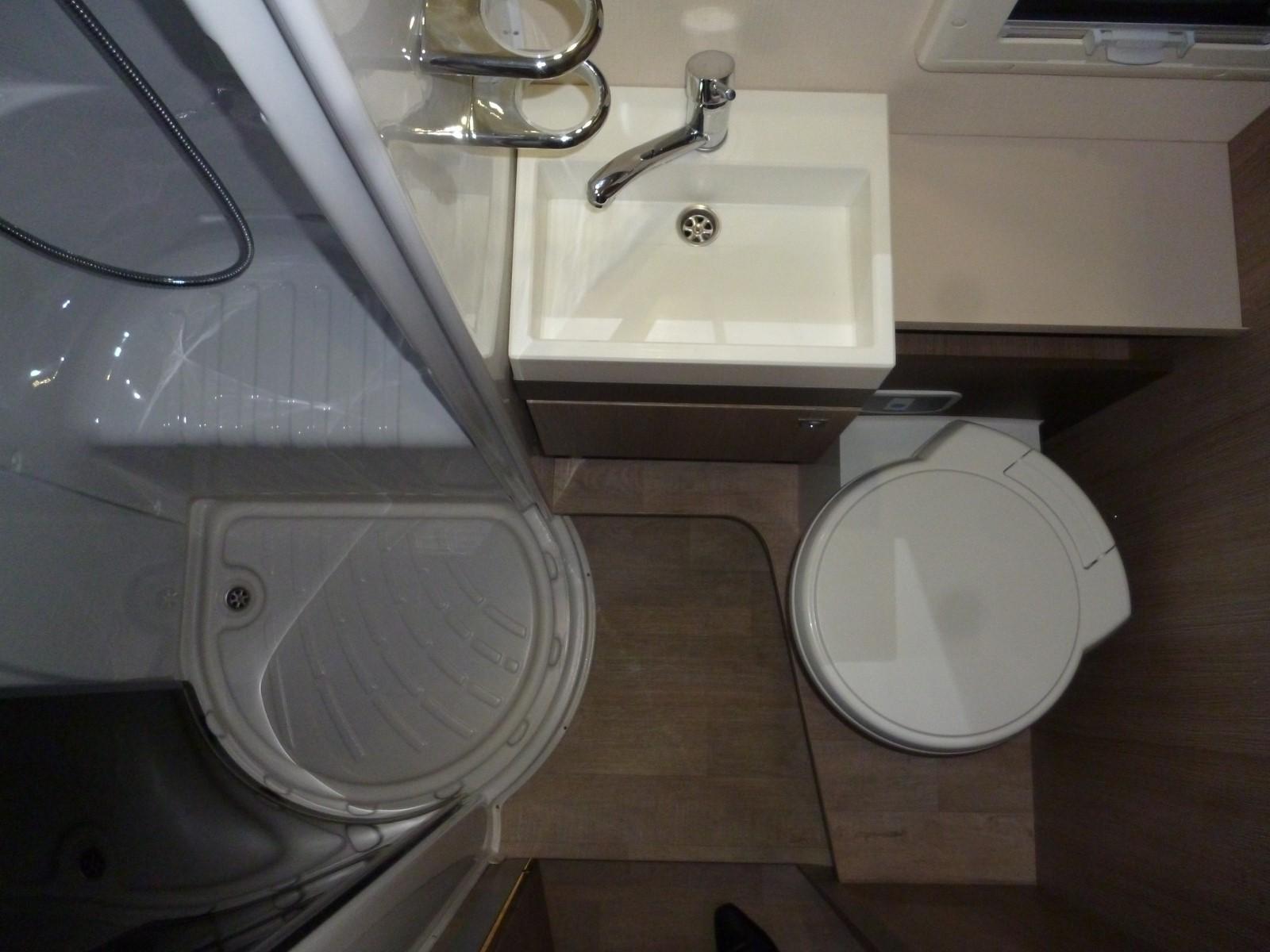 challenger genesis 296 occasion fiat camping car en. Black Bedroom Furniture Sets. Home Design Ideas