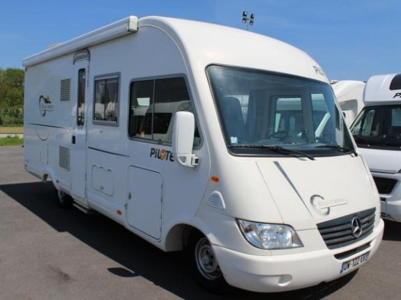 pilote explorateur g 683 occasion de 2006 mercedes camping car en vente seclin nord 59. Black Bedroom Furniture Sets. Home Design Ideas