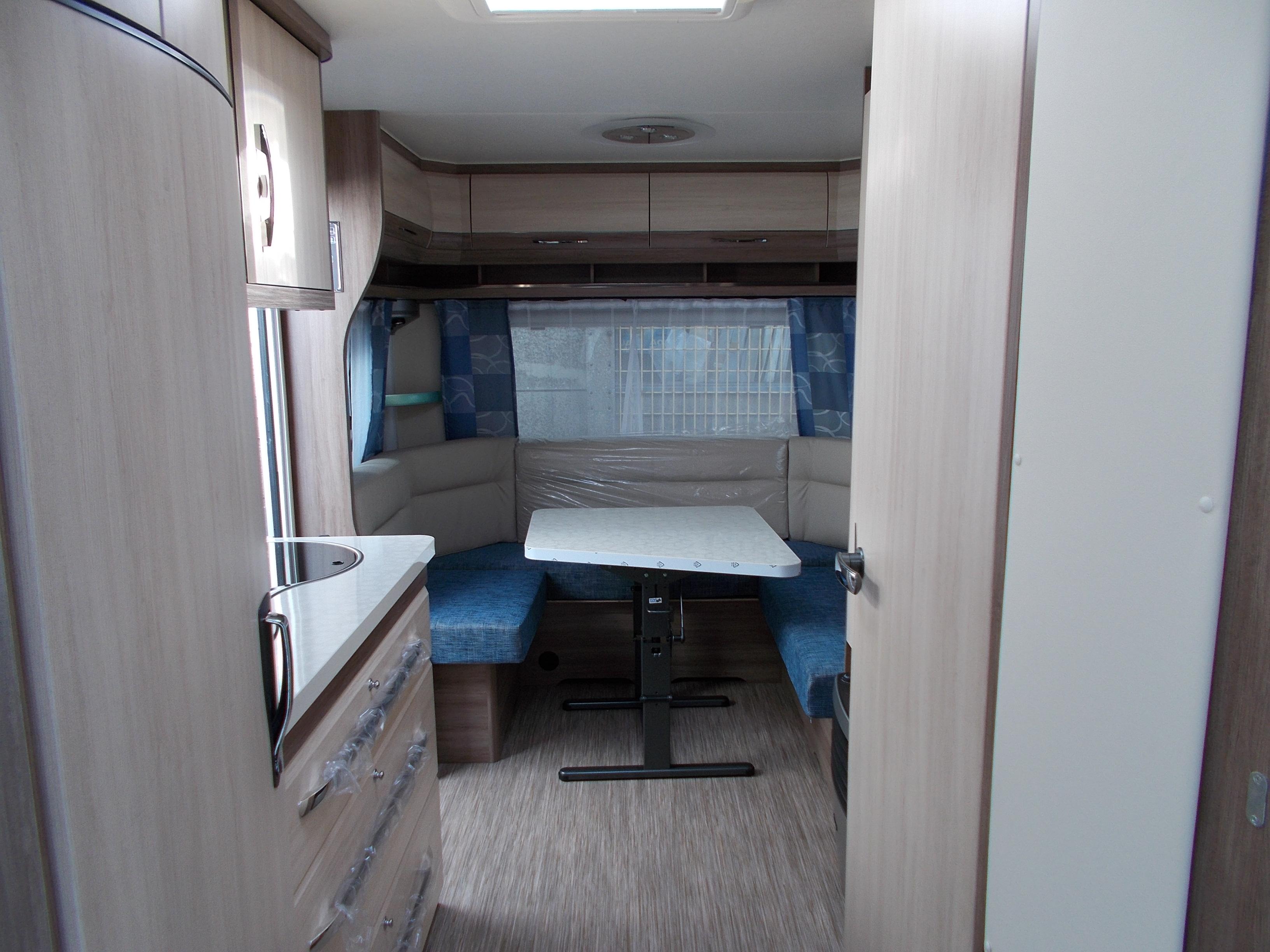 hobby 495 ul de luxe occasion de 2014 caravane en vente. Black Bedroom Furniture Sets. Home Design Ideas