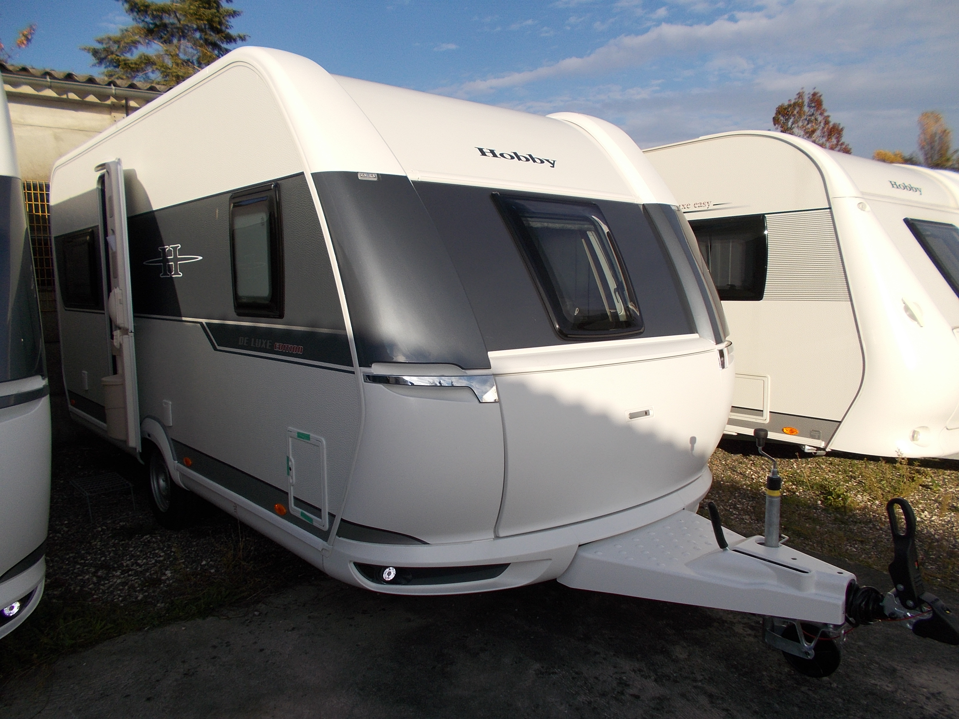 caravane hobby occasion 460 ufe. Black Bedroom Furniture Sets. Home Design Ideas
