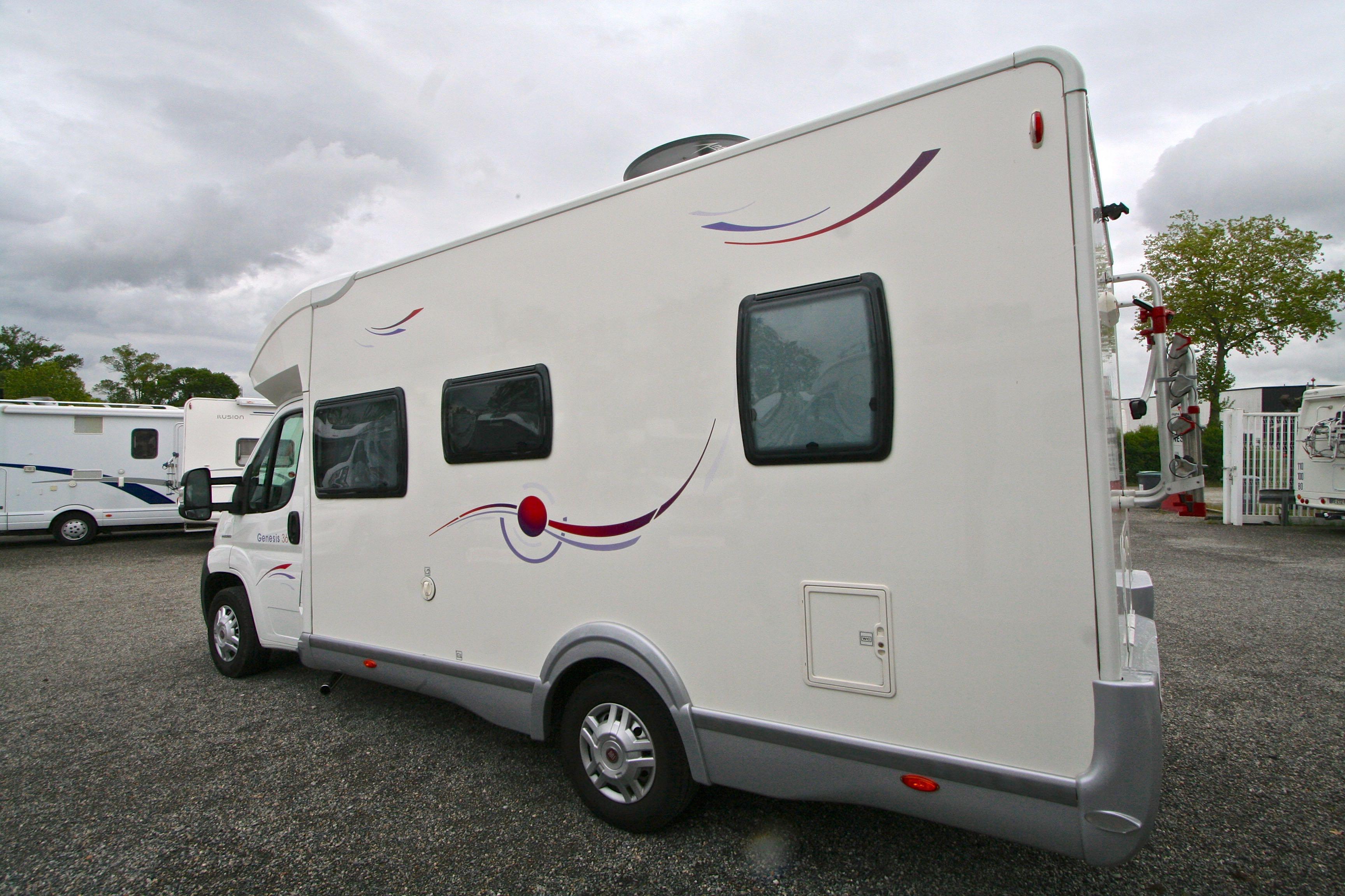 Camping Car Genesis Sans Lit Permanent