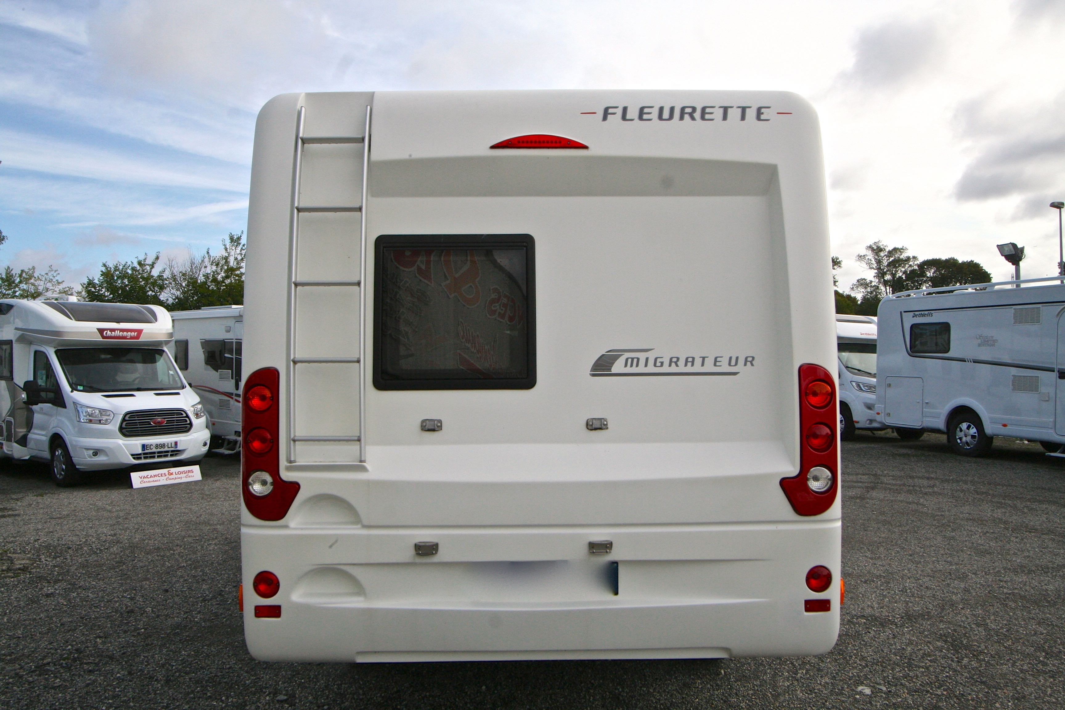 fleurette migrateur 63 lg occasion de 2014 fiat camping car en vente roques sur garonne. Black Bedroom Furniture Sets. Home Design Ideas
