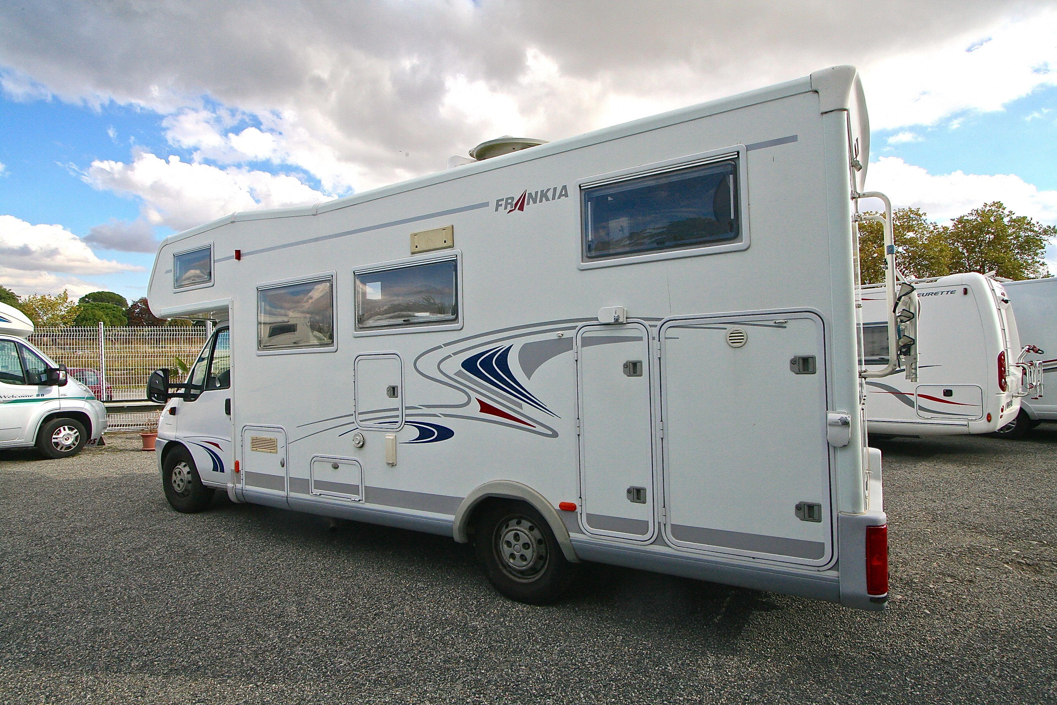 frankia a 700 occasion fiat camping car en vente roques sur garonne haute garonne 31. Black Bedroom Furniture Sets. Home Design Ideas