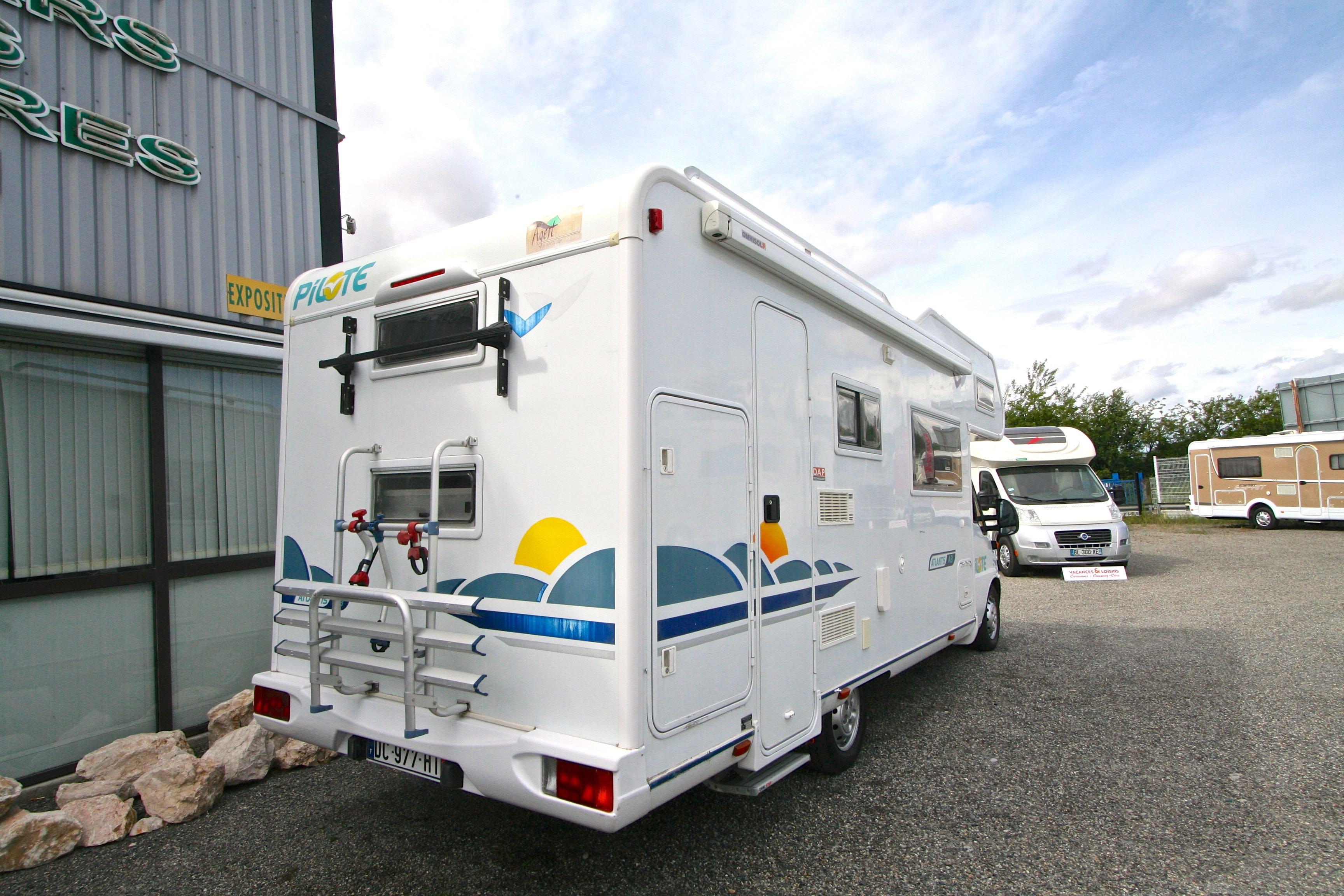 pilote a 8 occasion fiat camping car en vente roques sur garonne haute garonne 31. Black Bedroom Furniture Sets. Home Design Ideas