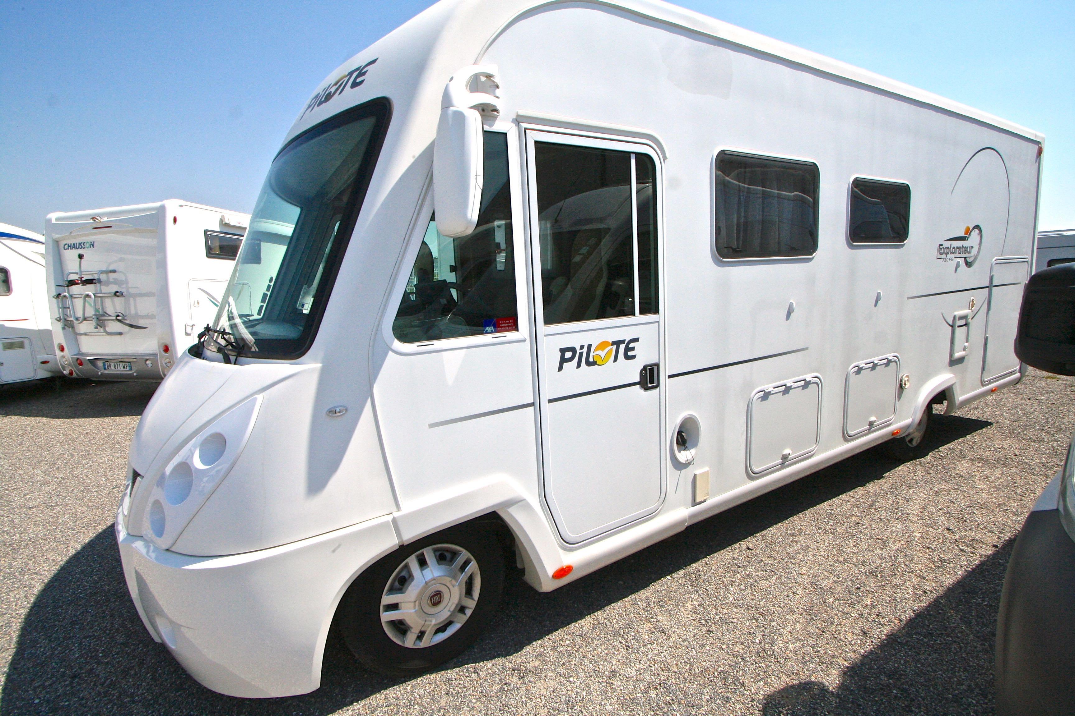 pilote explorateur g 730 occasion fiat camping car en vente roques sur garonne haute. Black Bedroom Furniture Sets. Home Design Ideas