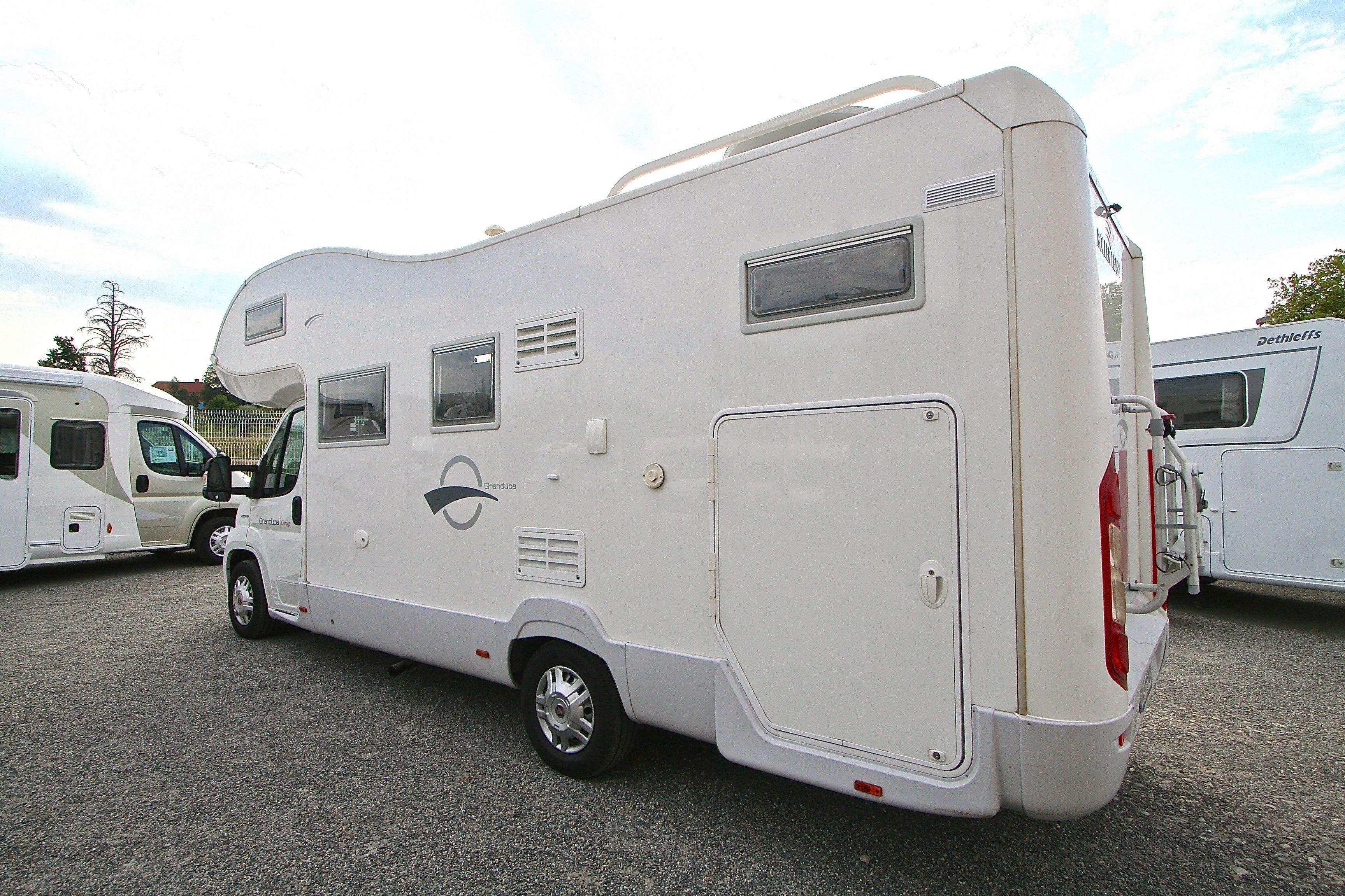 Roller team granduca garage occasion fiat camping car for Location garage caravane