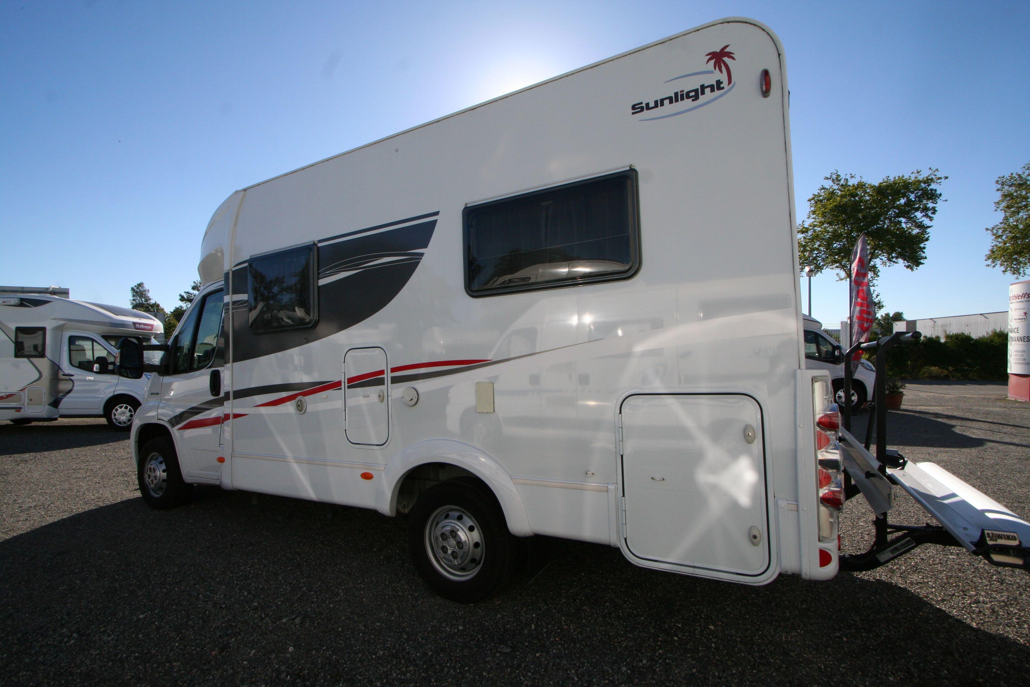 sunlight t 58 occasion fiat camping car en vente roques sur garonne haute garonne 31. Black Bedroom Furniture Sets. Home Design Ideas