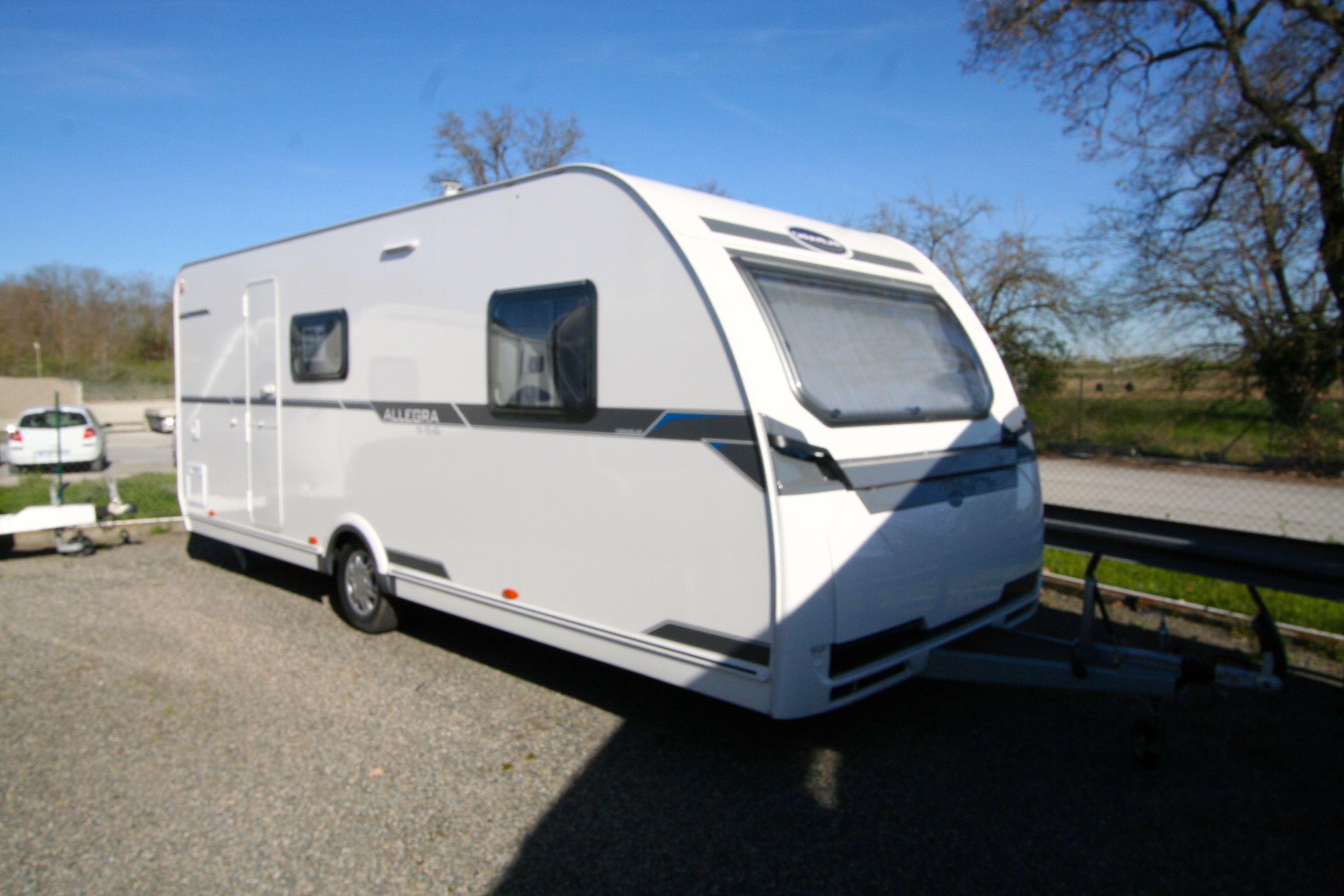 caravelair allegra 556 occasion de 2014 caravane en. Black Bedroom Furniture Sets. Home Design Ideas