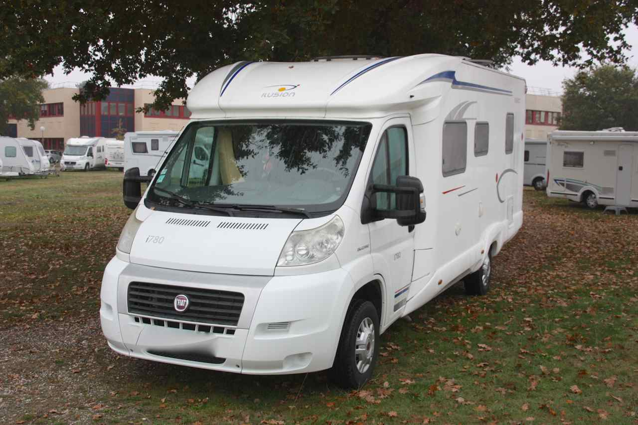 ilusion i 780 occasion de 2010 fiat camping car en vente merignac gironde 33. Black Bedroom Furniture Sets. Home Design Ideas