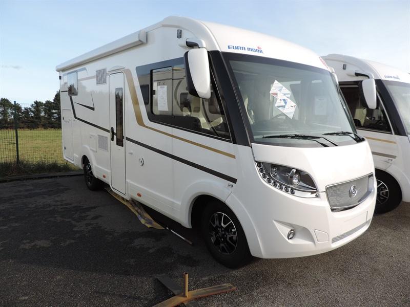 eura mobil integra line il 720 qb neuf de 2017 fiat camping car en vente gainneville seine. Black Bedroom Furniture Sets. Home Design Ideas