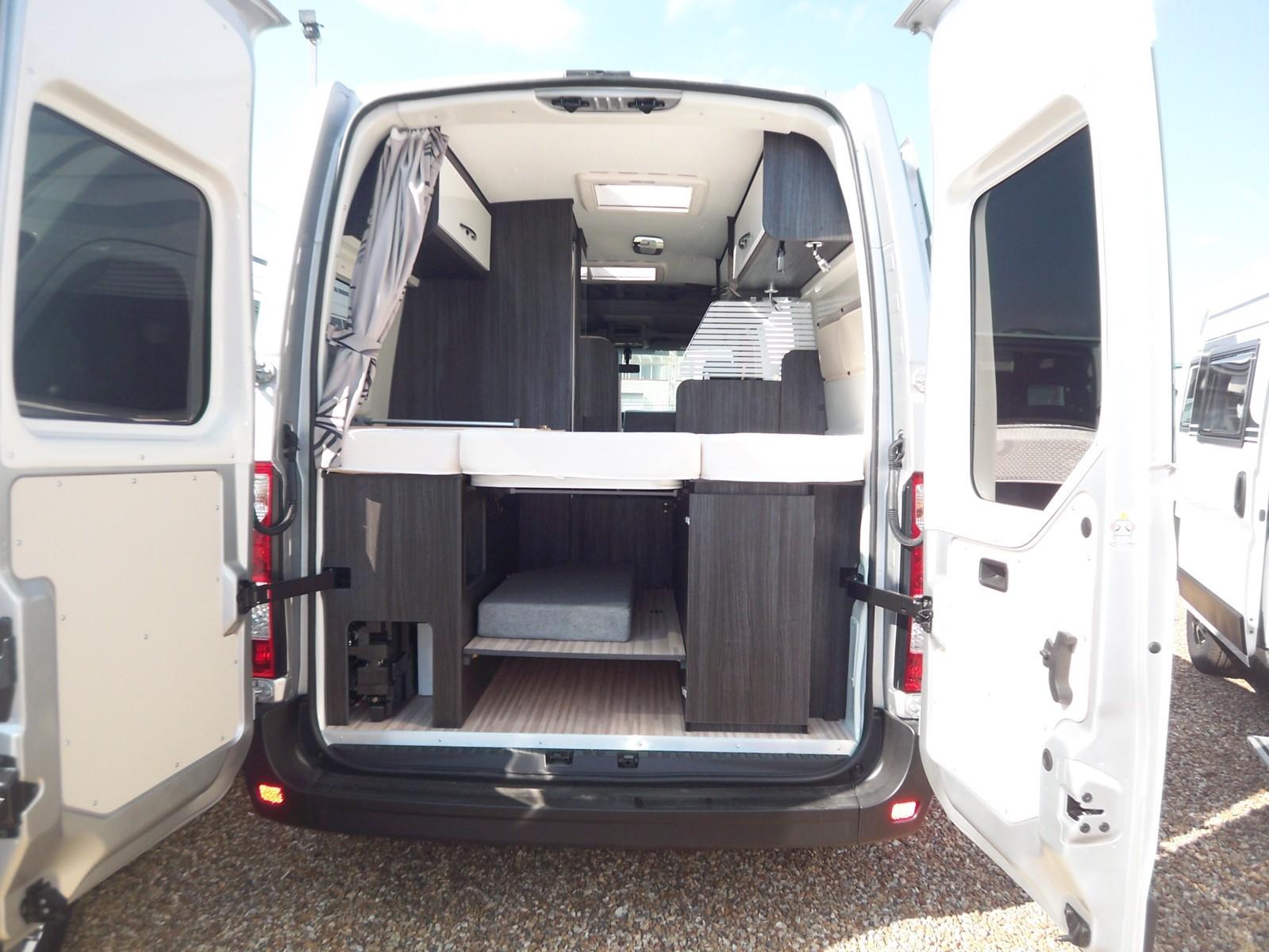 font vendome master van neuf de 2019 renault camping car en vente parcay meslay indre et. Black Bedroom Furniture Sets. Home Design Ideas