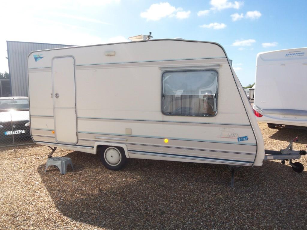 caravelair bahia plus 400 occasion caravane vendre en indre et loire 37 ref 11594. Black Bedroom Furniture Sets. Home Design Ideas
