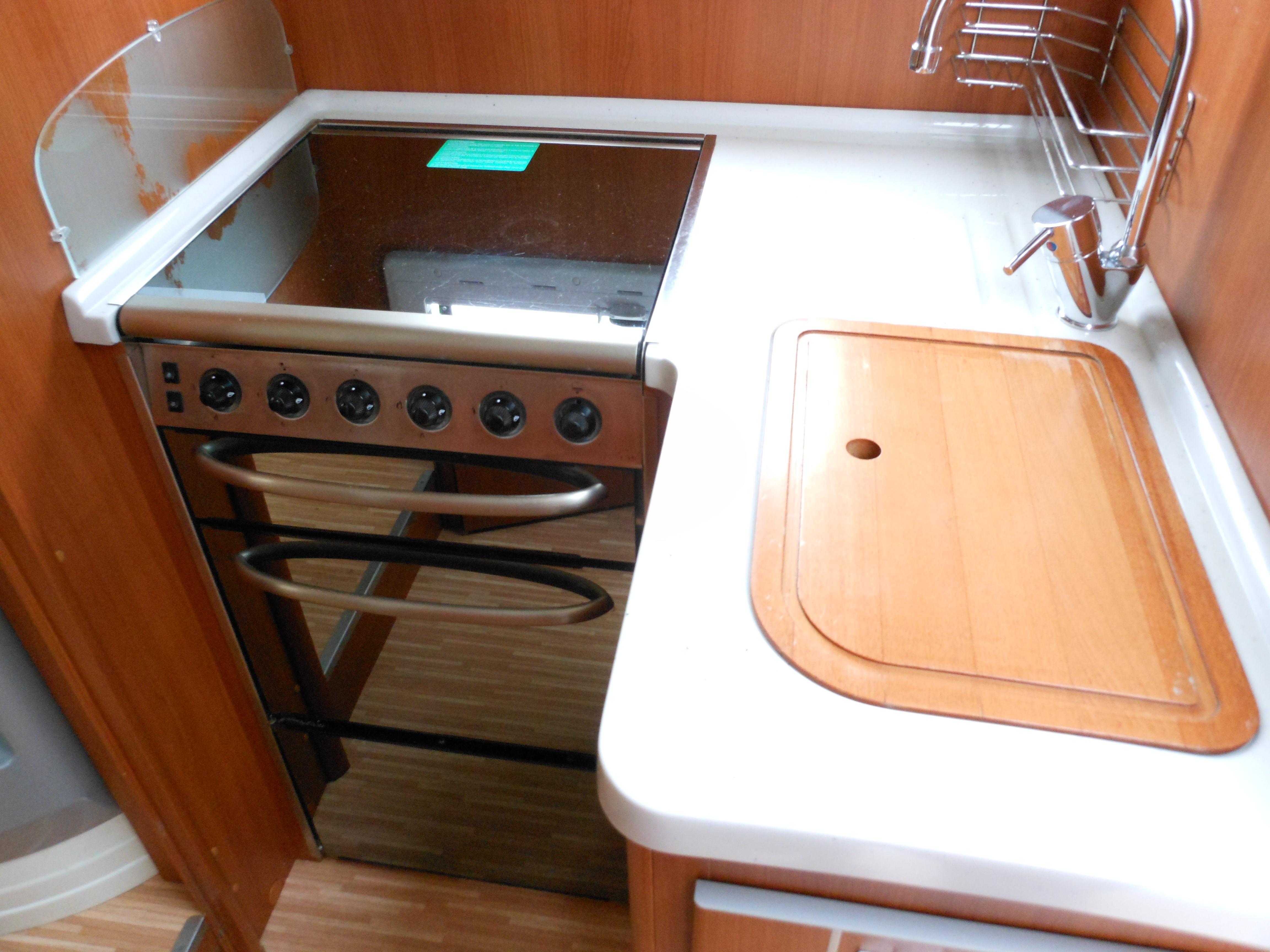 mc louis tandy 672 occasion de 2009 fiat camping car en vente saint pouange troyes aube 10. Black Bedroom Furniture Sets. Home Design Ideas