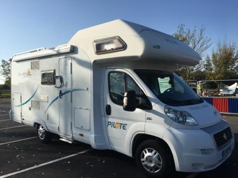 pilote aventura 700 occasion de 2009 fiat camping car en vente saint pouange troyes aube. Black Bedroom Furniture Sets. Home Design Ideas