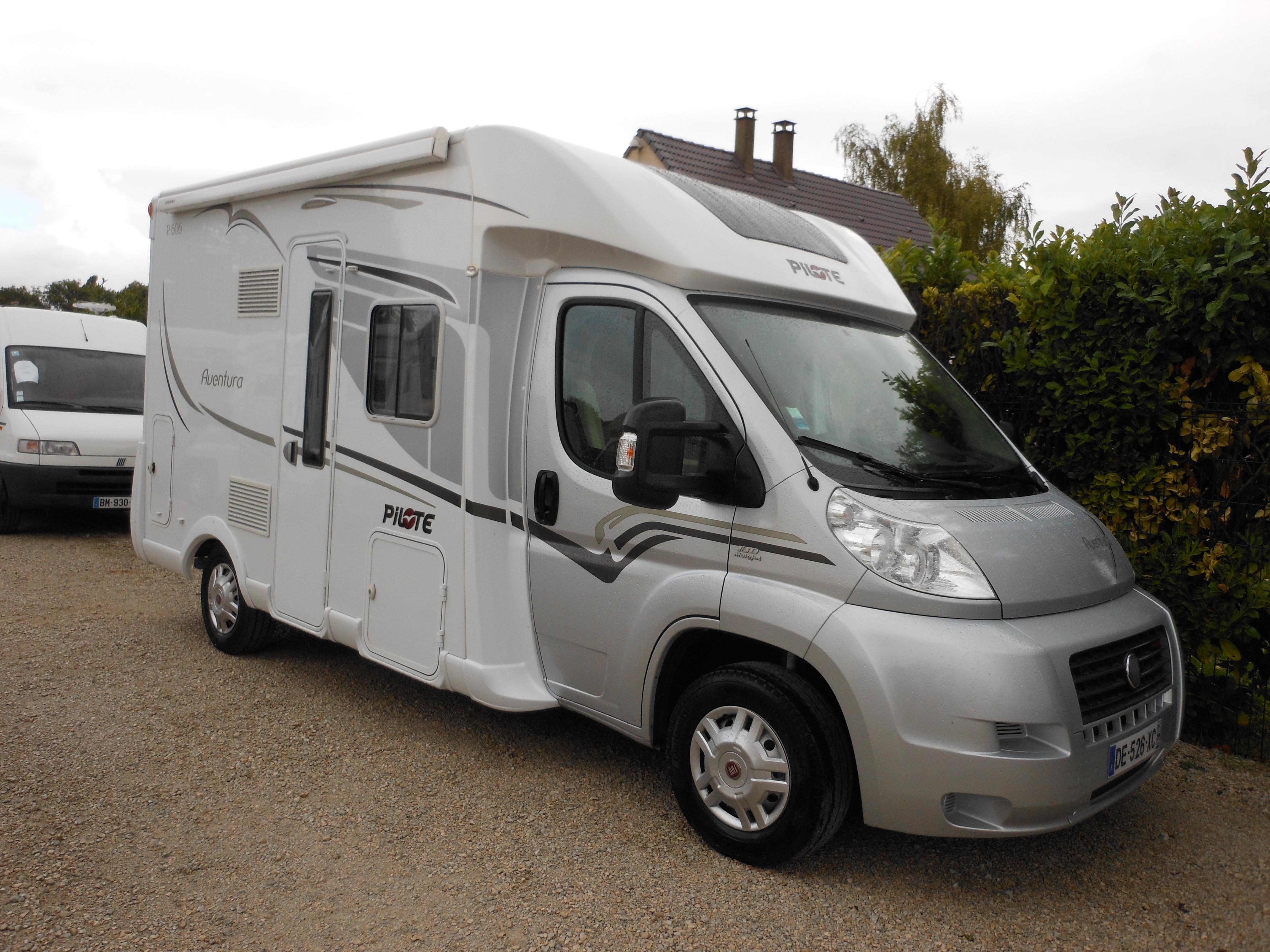pilote p 606 l occasion de 2014 fiat camping car en vente saint pouange troyes aube 10. Black Bedroom Furniture Sets. Home Design Ideas